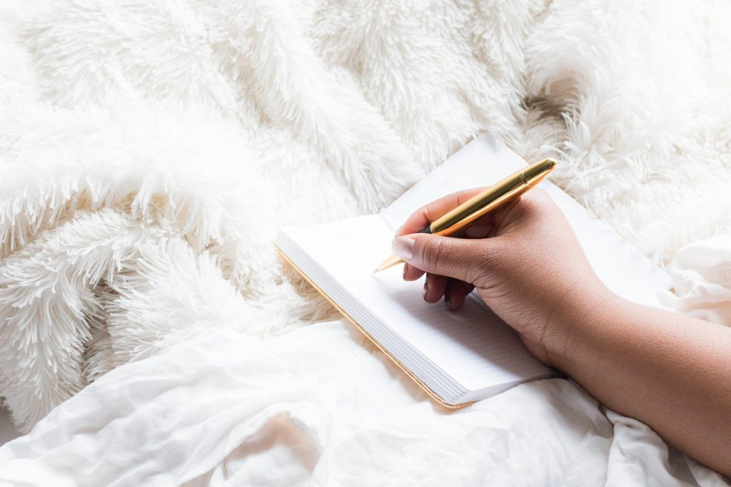 10 Fun Ways To Make Money Online as a Beauty or Fashion
